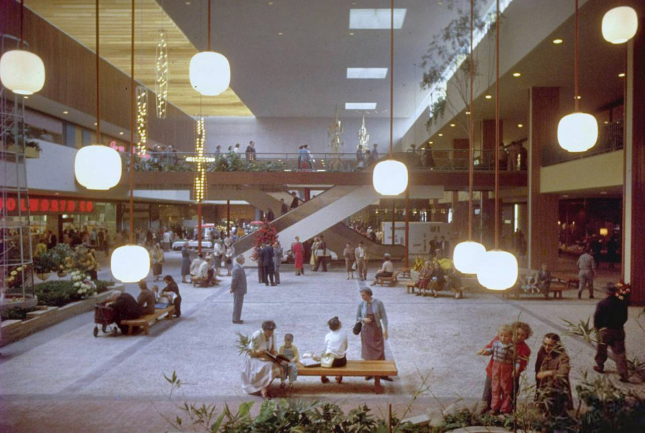 The World's first shopping mall - Southdale Centre, !956