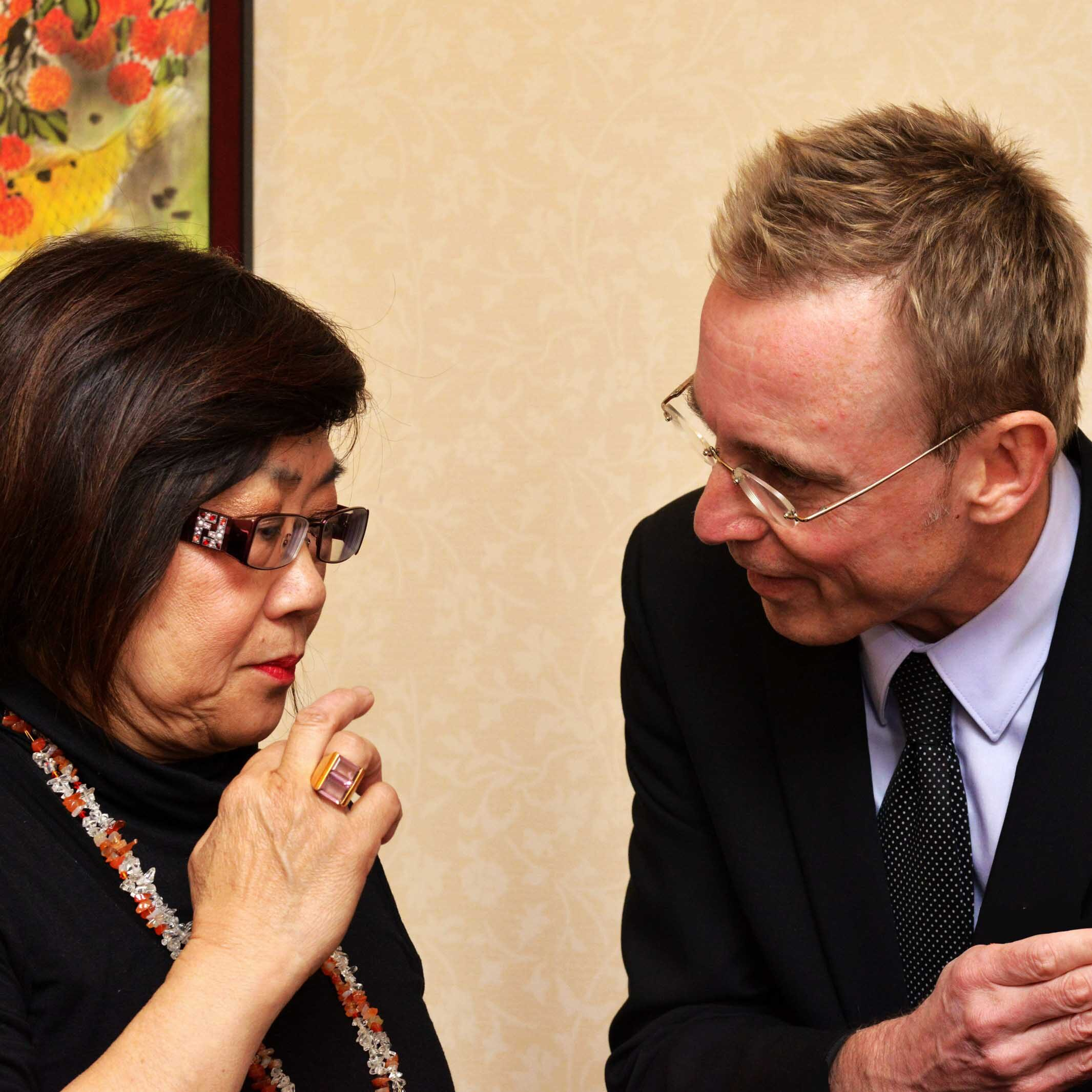 Lord Mayor Martin Haese with Aunty Cathy Chong